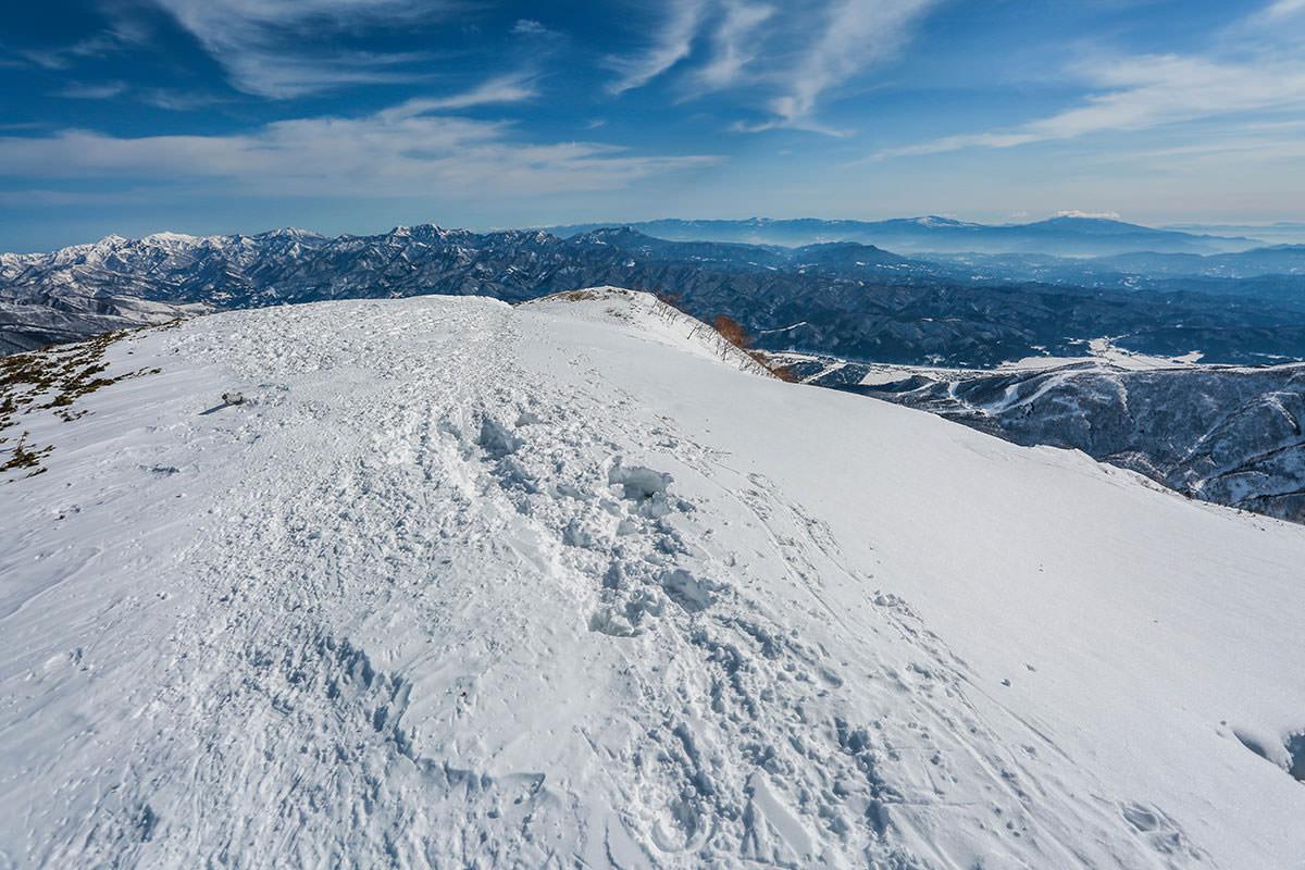 唐松岳-振り返ると北信の山がいっぱい