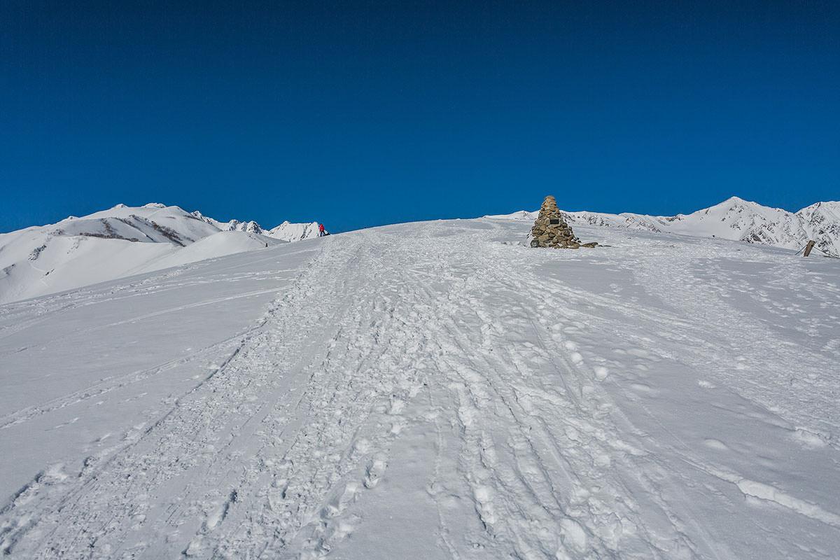 【唐松岳 八方尾根】登山百景-ところどころにケルンがある