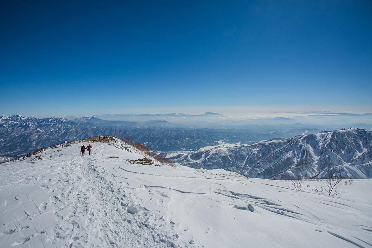 【唐松岳 八方尾根】登山百景-振り返ると雲が減った