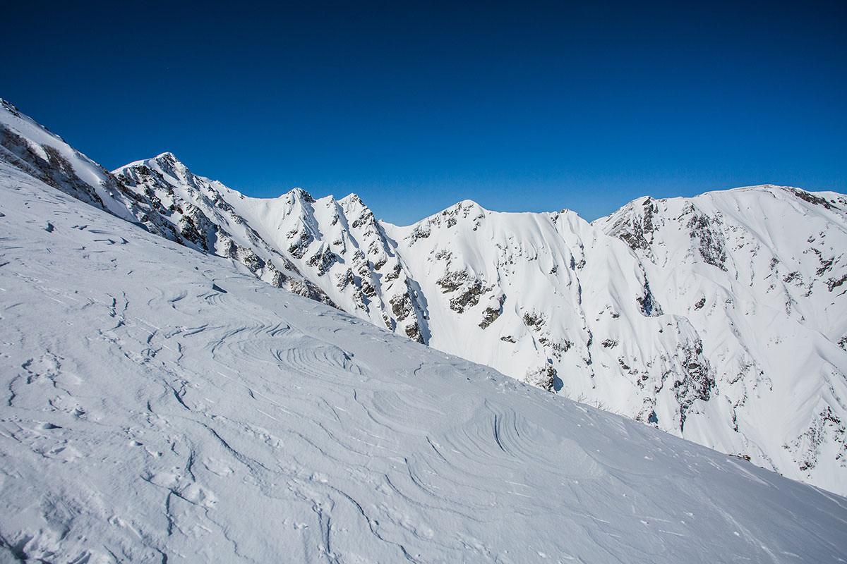 【唐松岳 八方尾根】登山百景-雪いっぱい