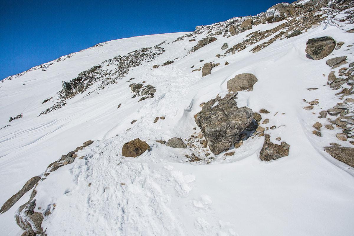 【唐松岳 八方尾根】登山百景-けっこう岩が出ている