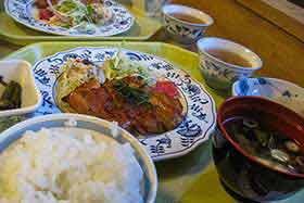 横尾山荘のご飯