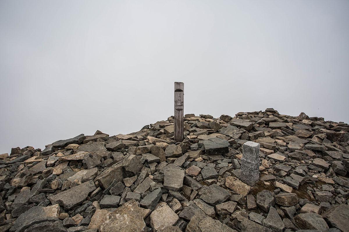笠ヶ岳山頂の標