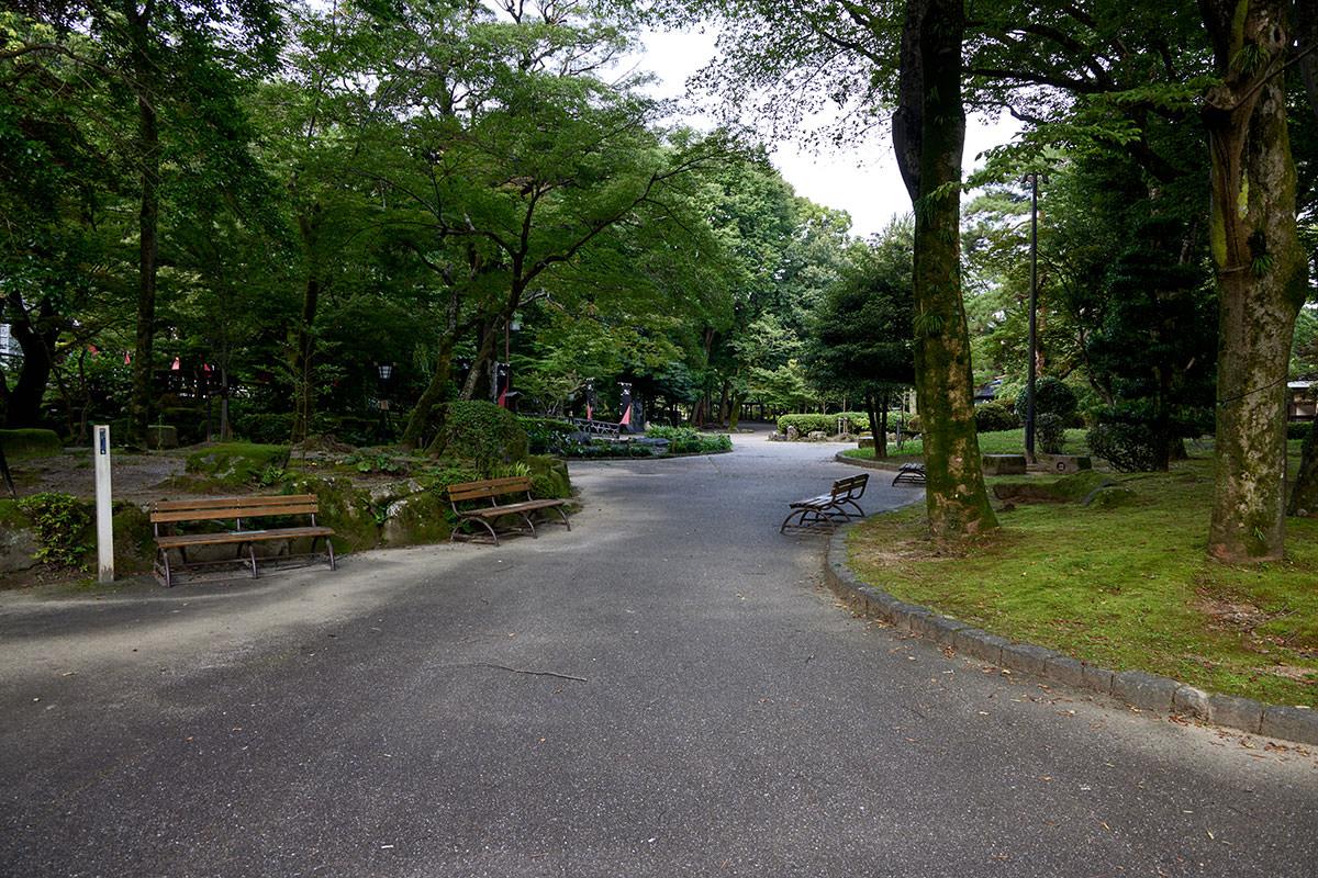 金華山-公園の中は静か