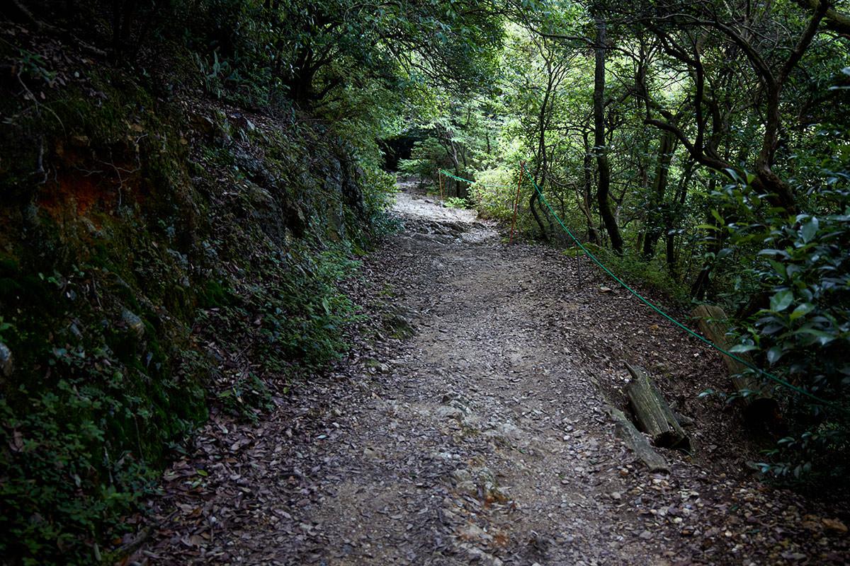 金華山-めい想の小径は歩きやすい