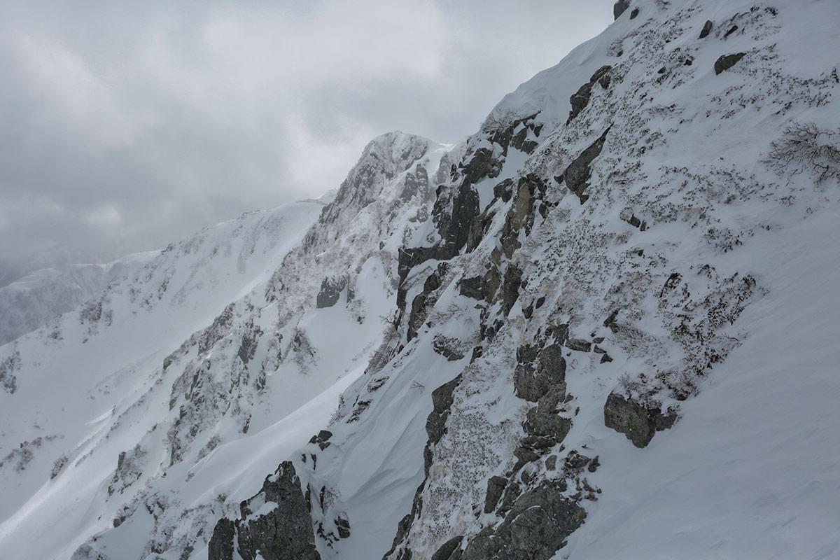 千畳敷カールから宝剣岳の岩壁