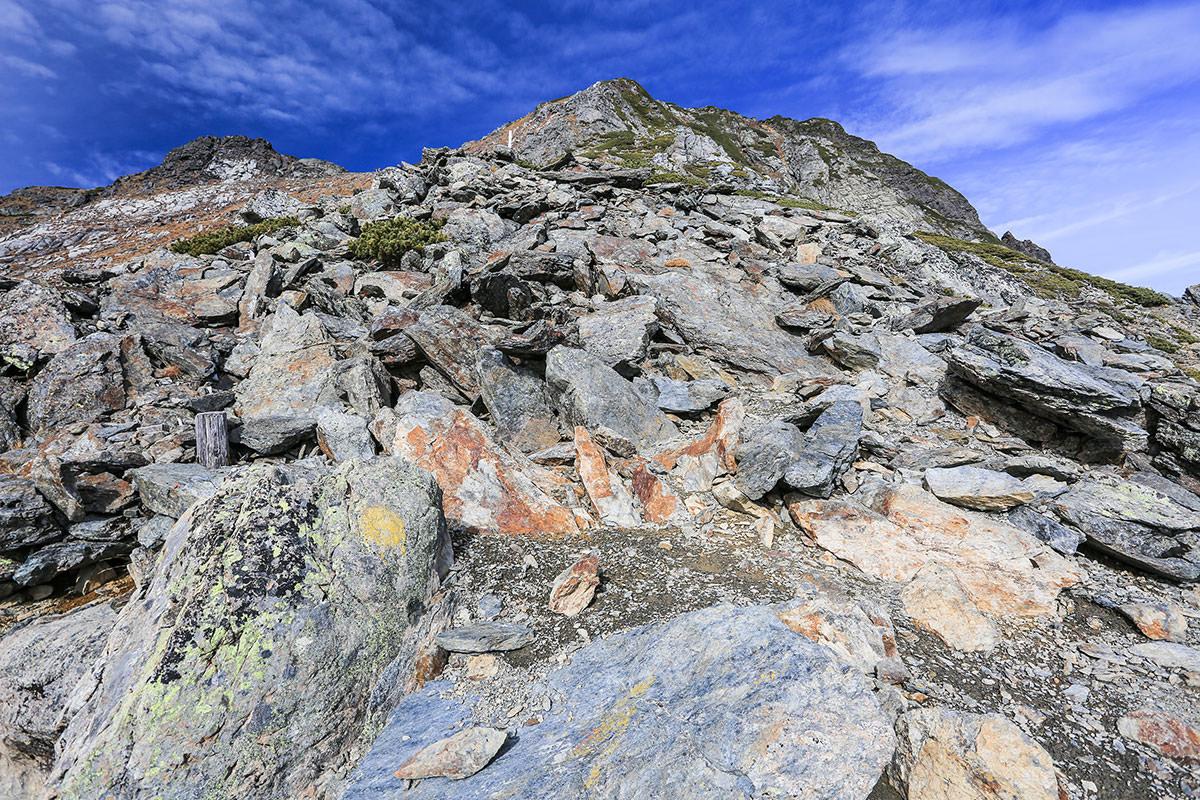 【北岳】登山百景-ガレガレを登っていく