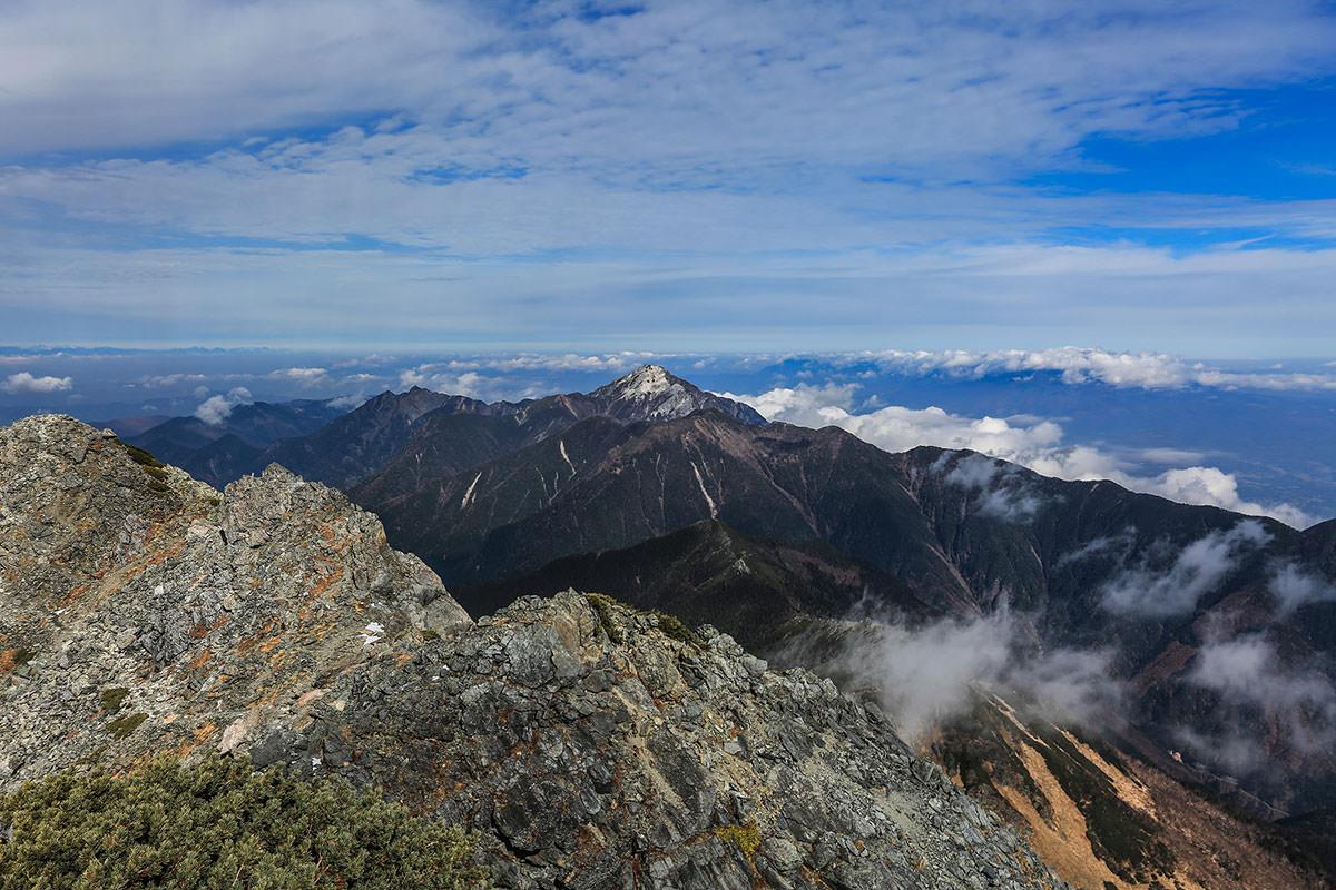 【北岳】登山百景-甲斐駒ヶ岳も近い