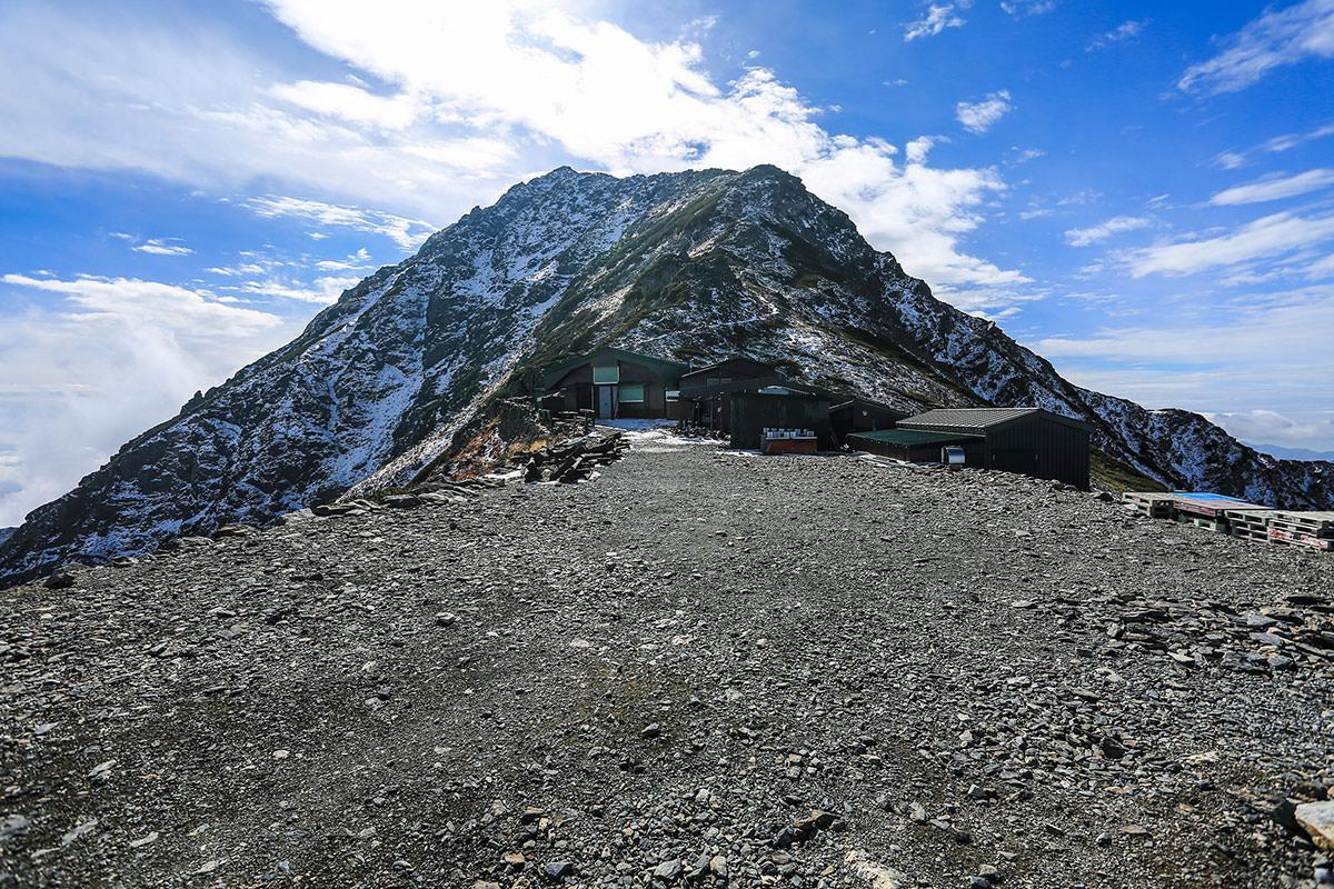【北岳】登山百景-北岳肩ノ小屋を通り過ぎる