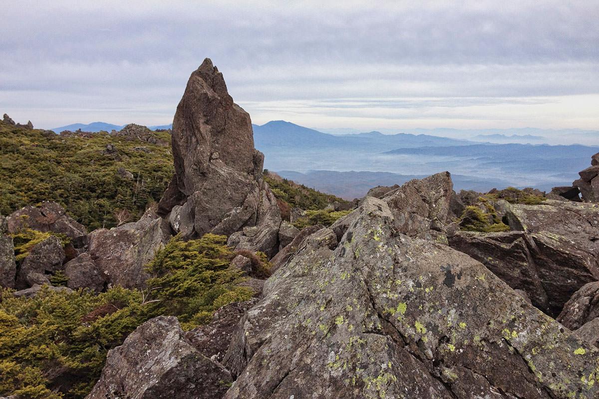 北横岳登山百景-三ツ山近く