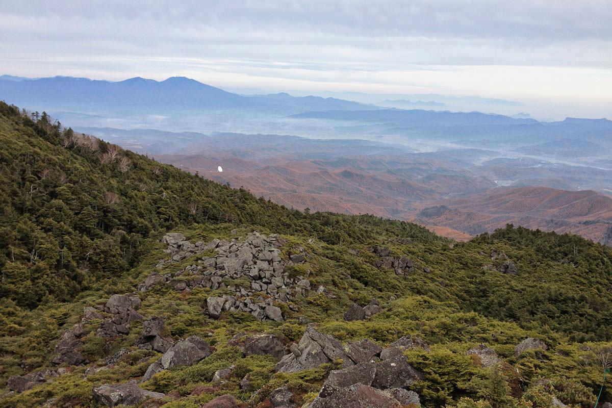 北横岳登山百景-浅間山が見える