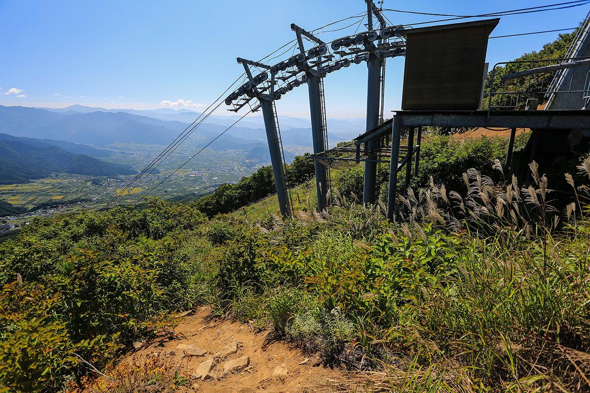 【高社山】登山百景-ゲレンデに出た