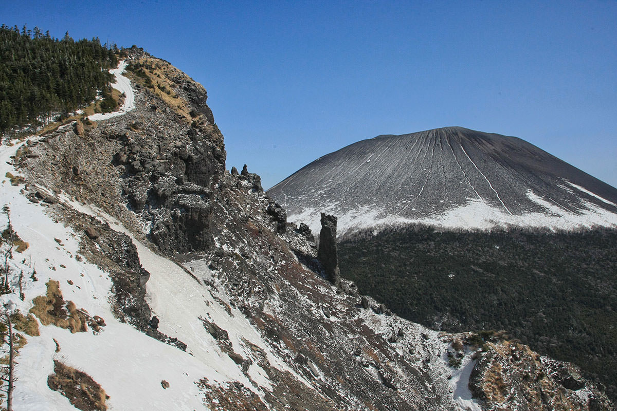 【黒斑山】登山百景-トーミの頭と浅間山