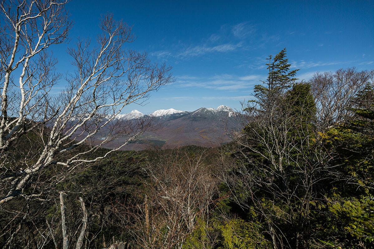 【黒姫山】登山百景-頸城三山が並んでいる