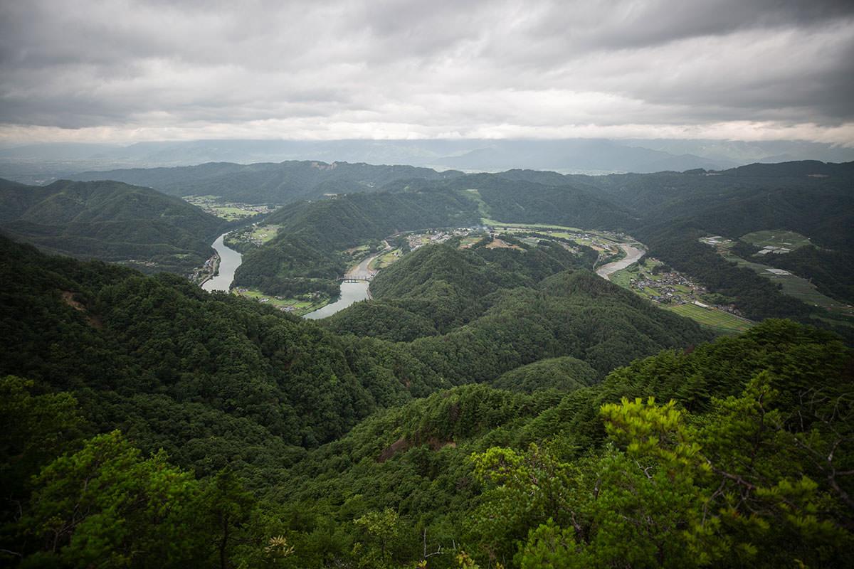 京ヶ倉を少し下りたところが一番眺めが良い