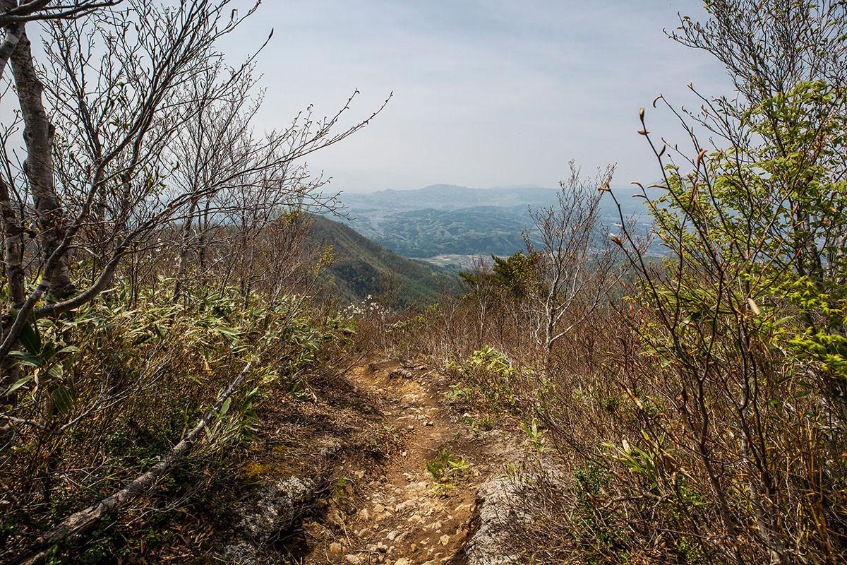 【斑尾山】登山百景-振り返ると信濃町が見える