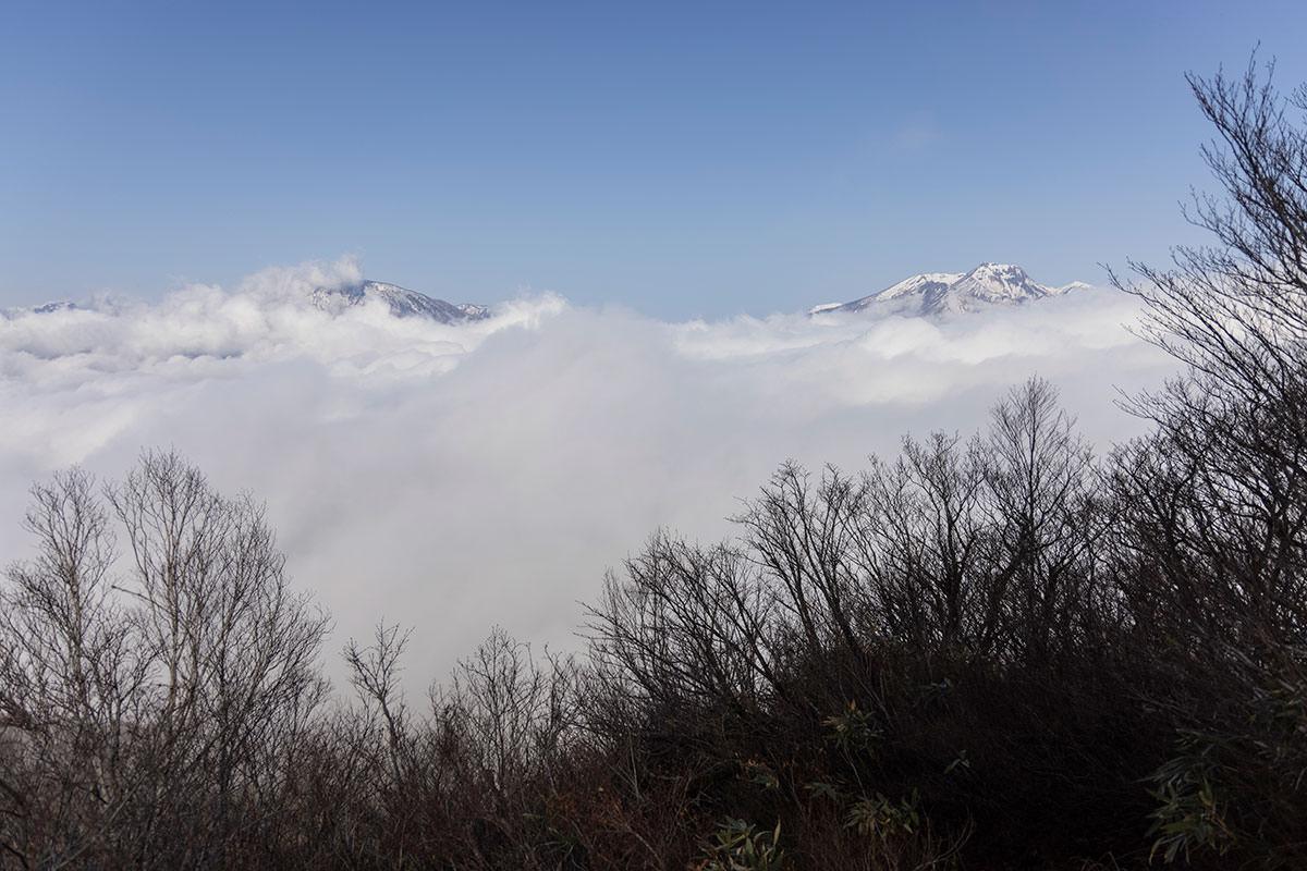 西側には妙高山と黒姫山が見える