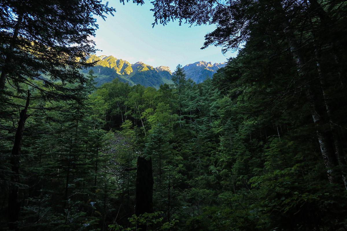 【前穂高岳】登山百景-穂高岳の稜線が見える