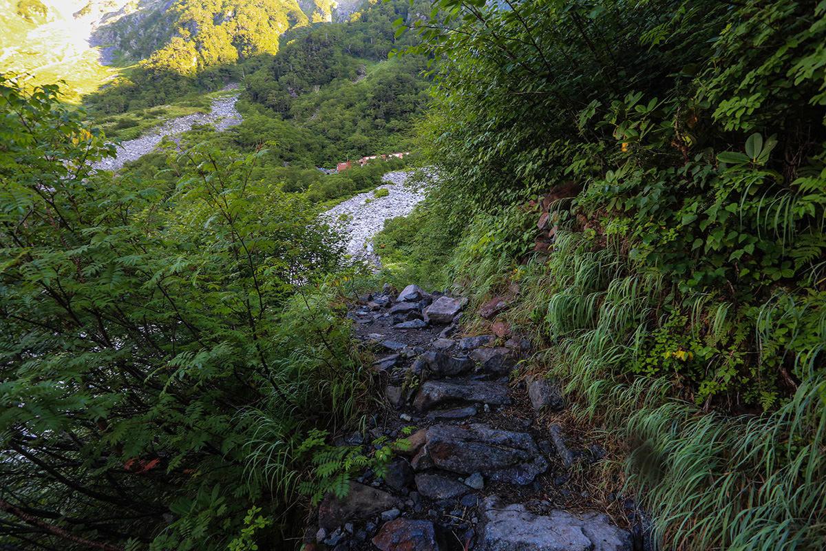 【前穂高岳】登山百景-岳沢が見えた