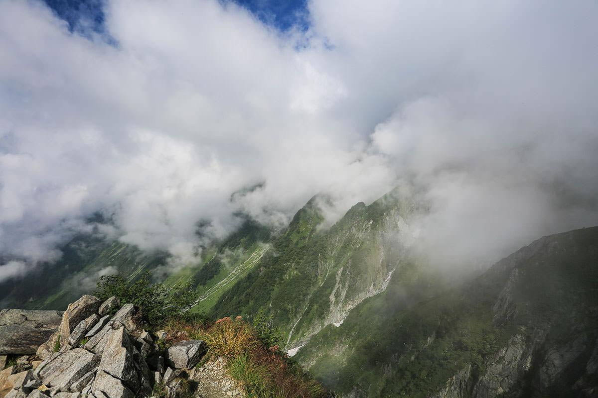 【前穂高岳】登山百景-ガスが出てきた