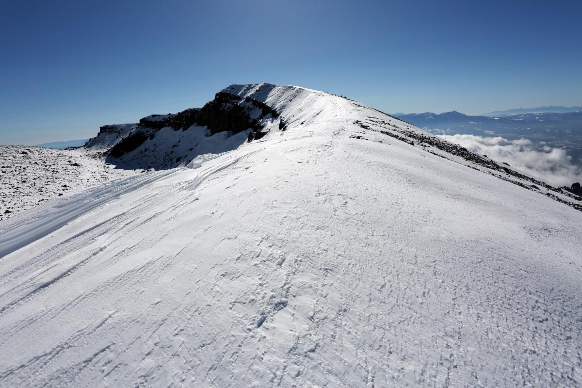 積雪期の浅間山