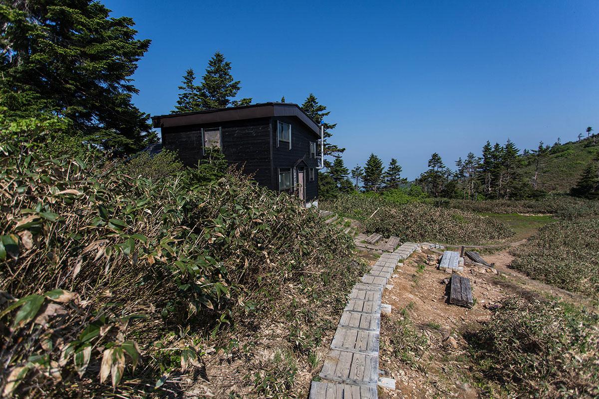 【巻機山】登山百景-避難小屋