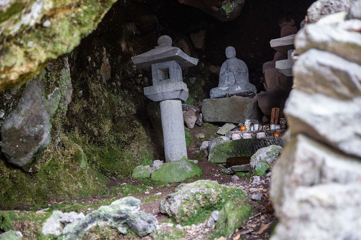 【万仏山】登山百景-弘法大師の像