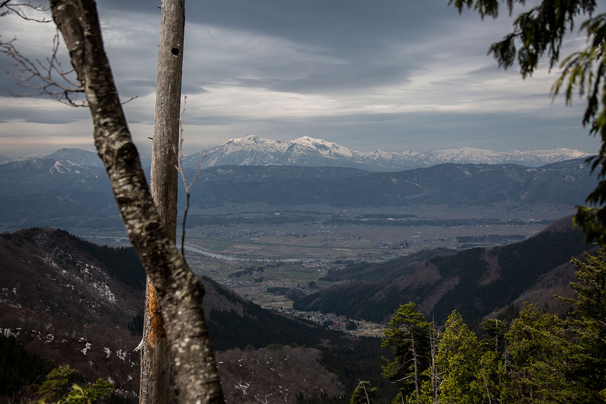 【万仏山】登山百景-妙高と飯山市が見える