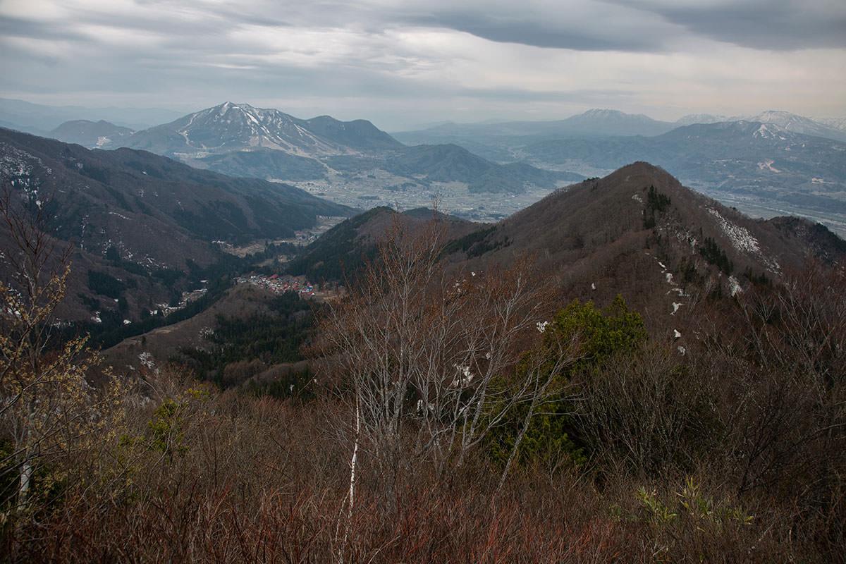 【万仏山】登山百景-高社山と北信の山々
