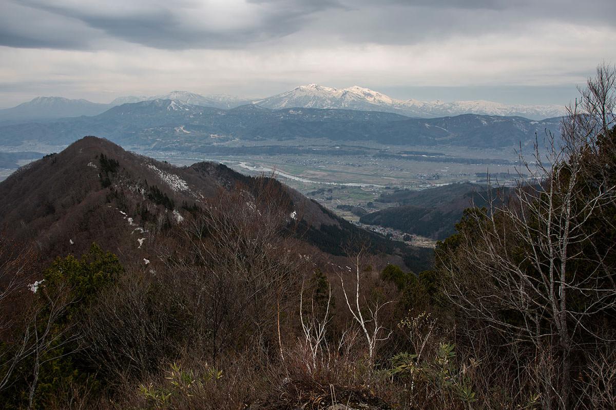 【万仏山】登山百景-妙高山や火打山が見える