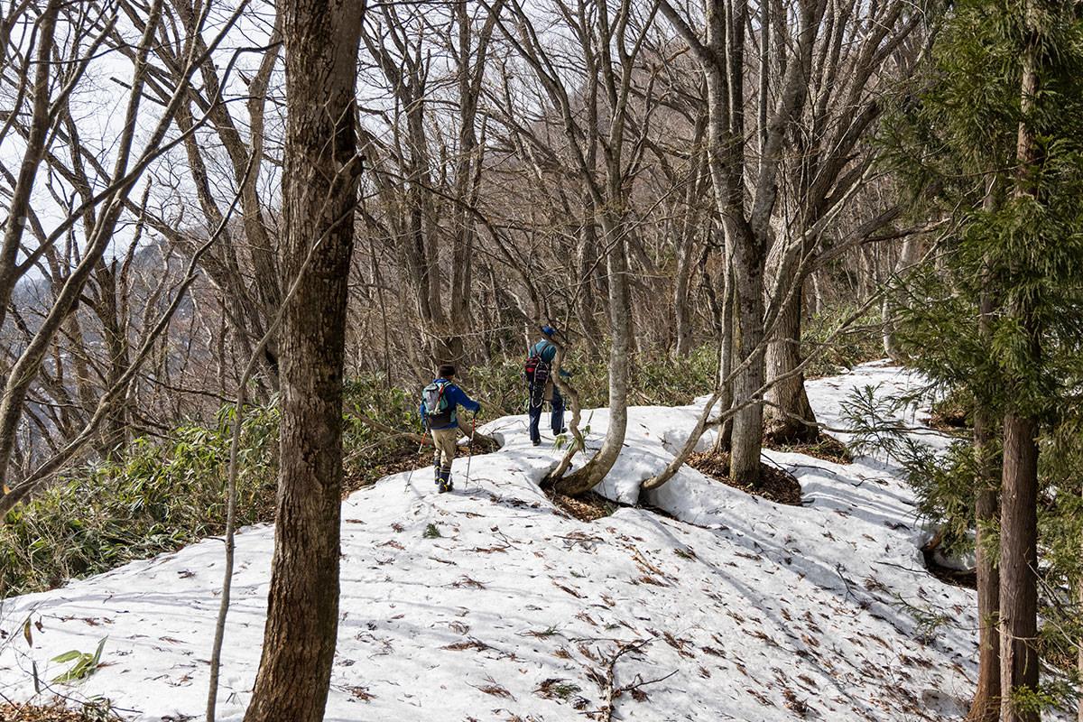万仏山-だんだん雪が少なくなってきた