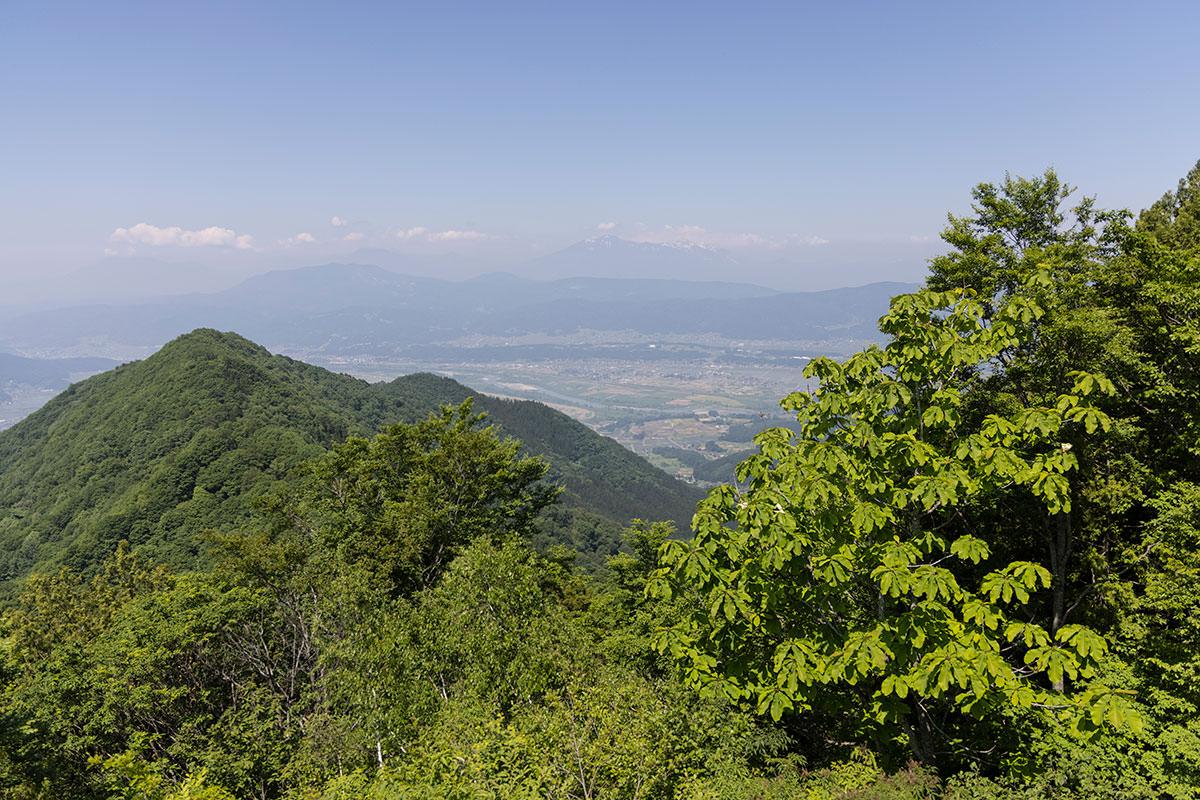 万仏山-登山口の方向