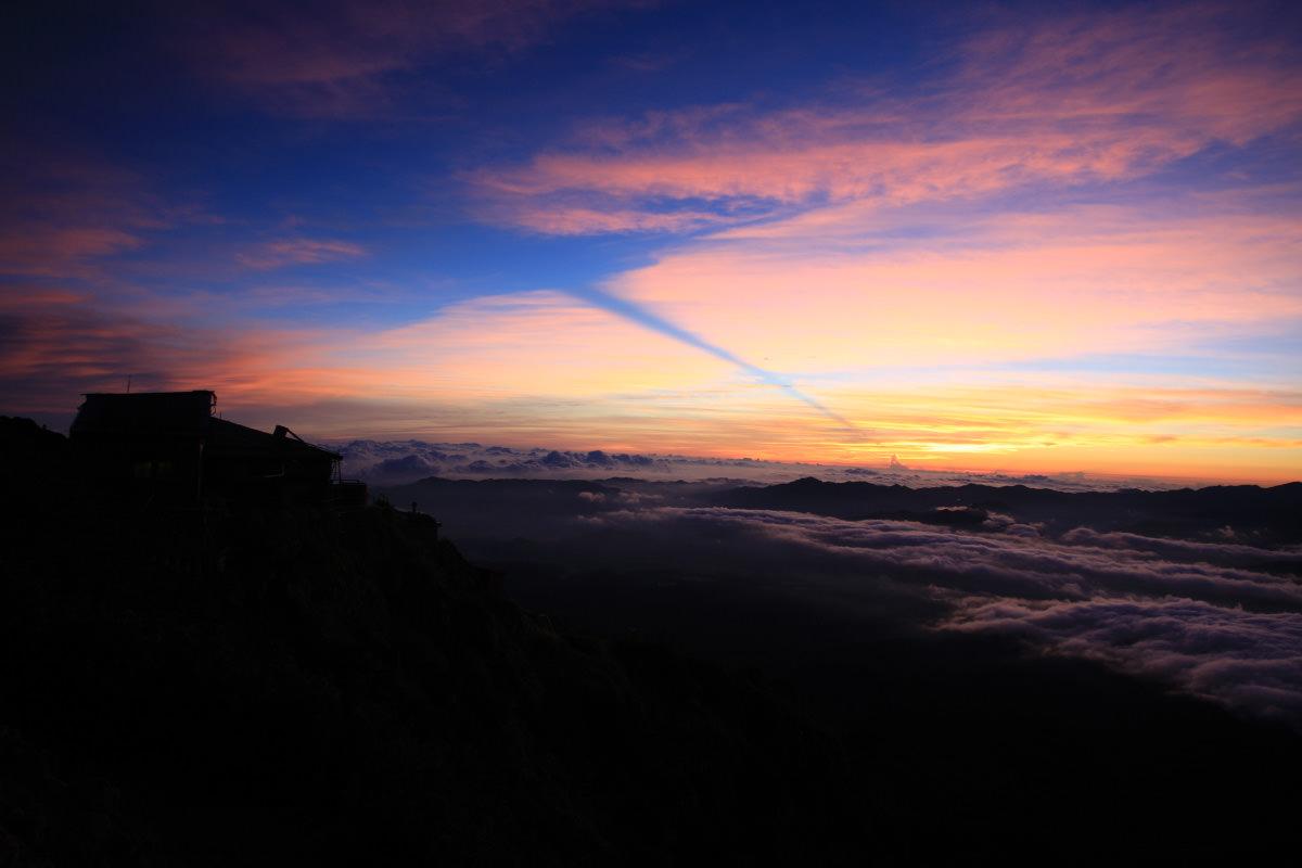 赤岳から見る朝焼け