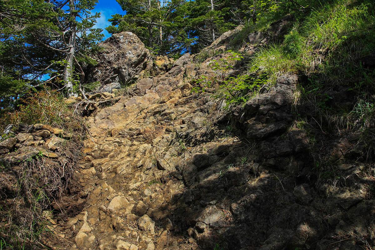 【南八ヶ岳 南北縦走】登山百景-最初のザレ場