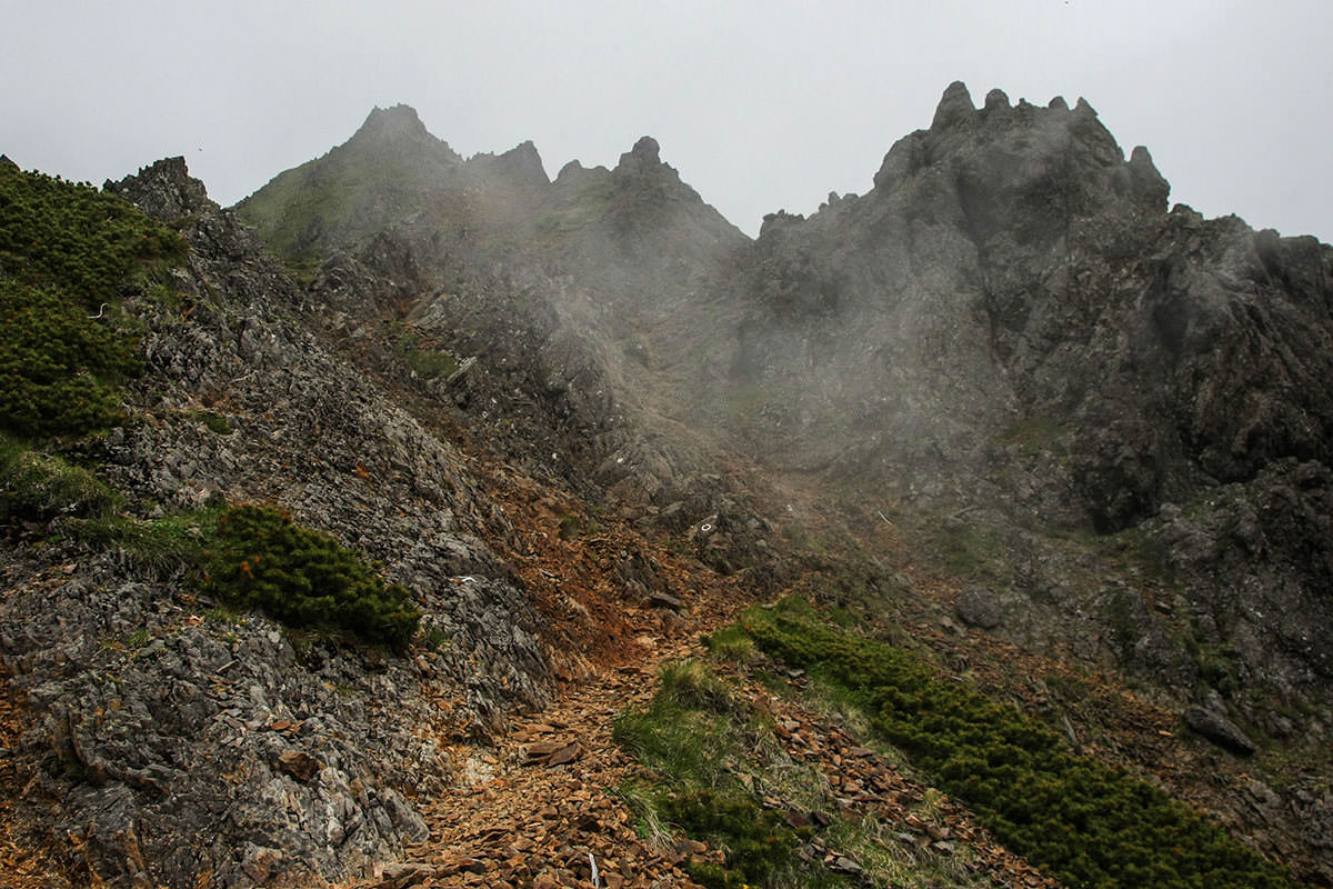 【南八ヶ岳 南北縦走】登山百景-大天狗がもうすぐ