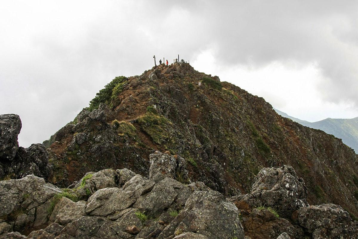 【南八ヶ岳 南北縦走】登山百景-赤岳北峰からの南峰