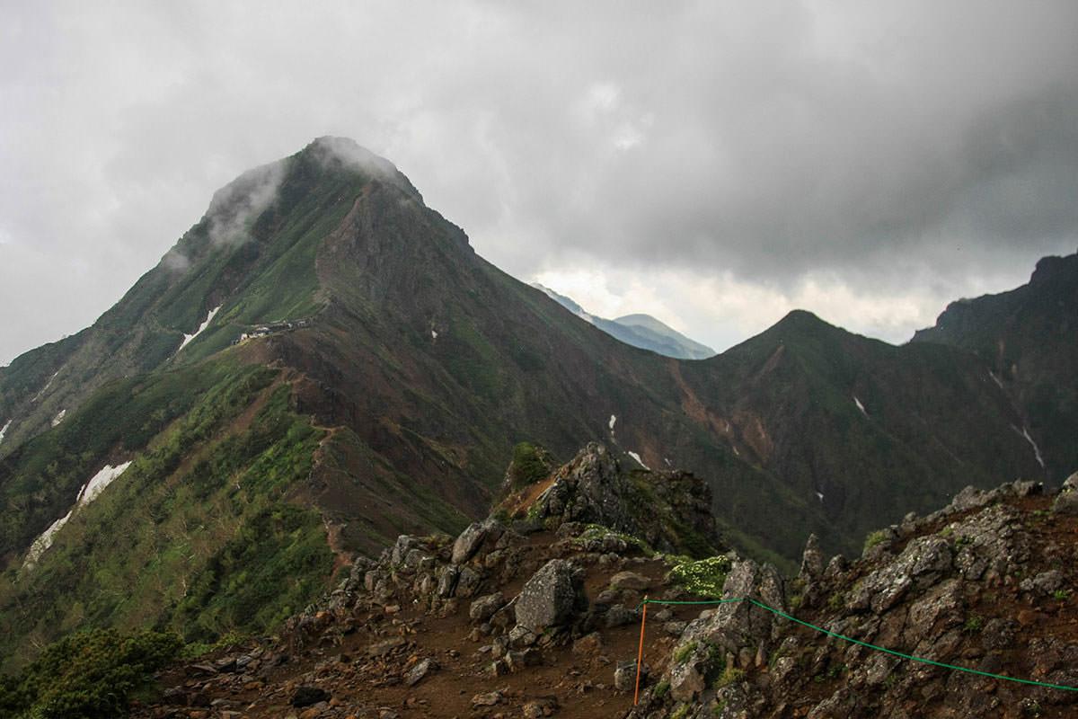 【南八ヶ岳 南北縦走】登山百景-赤岳を振り返る