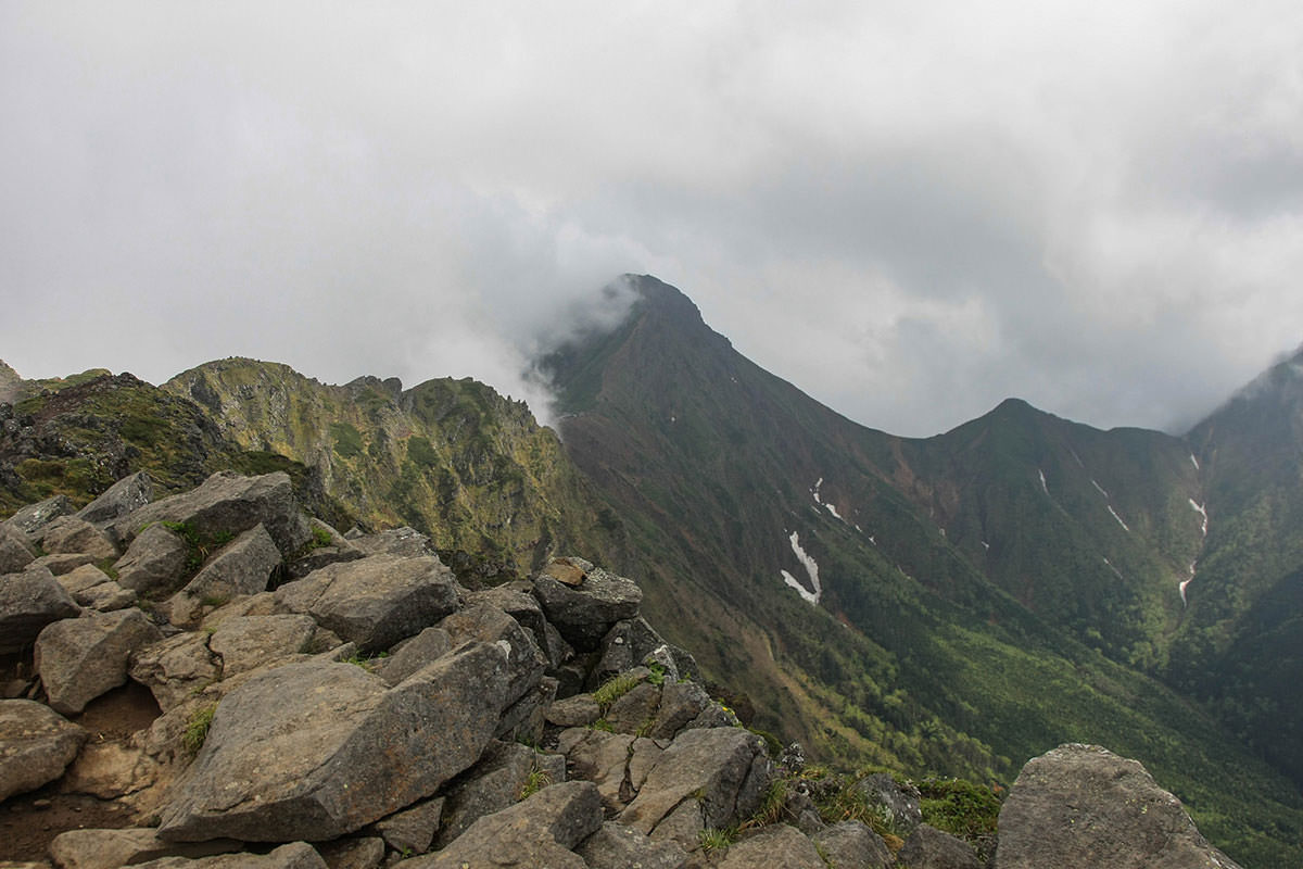 【南八ヶ岳 南北縦走】登山百景-横岳からの赤岳