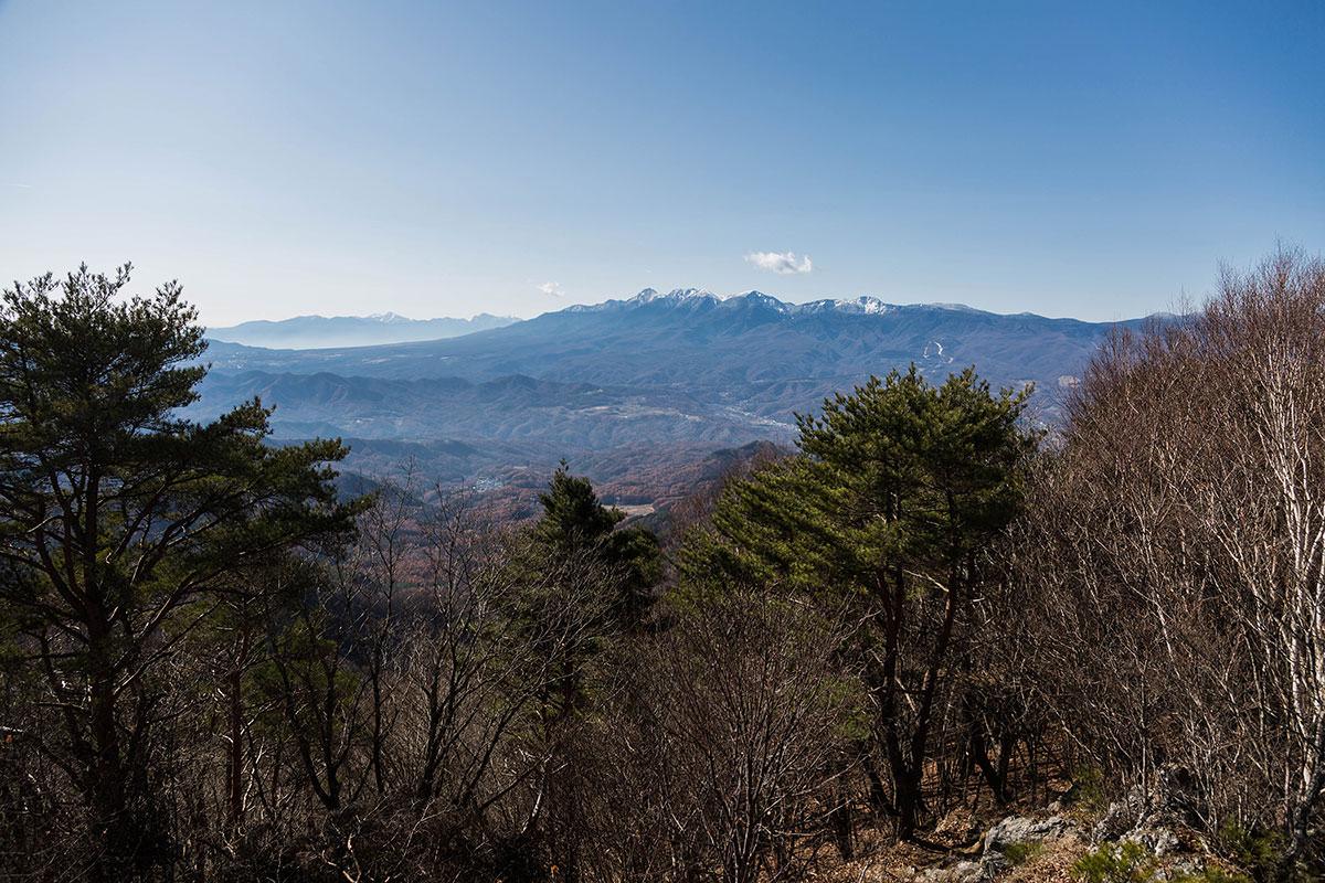 【茂来山】登山百景-八ヶ岳と南アルプスが見える