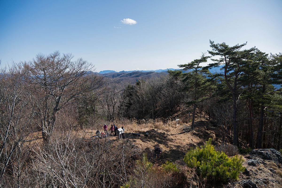 【茂来山】登山百景-南側には両神山