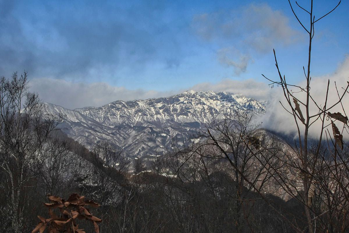 【虫倉山 不動滝コース】登山百景-戸隠の西岳方面