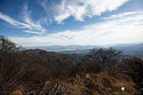 東側は浅間山や八ヶ岳方向