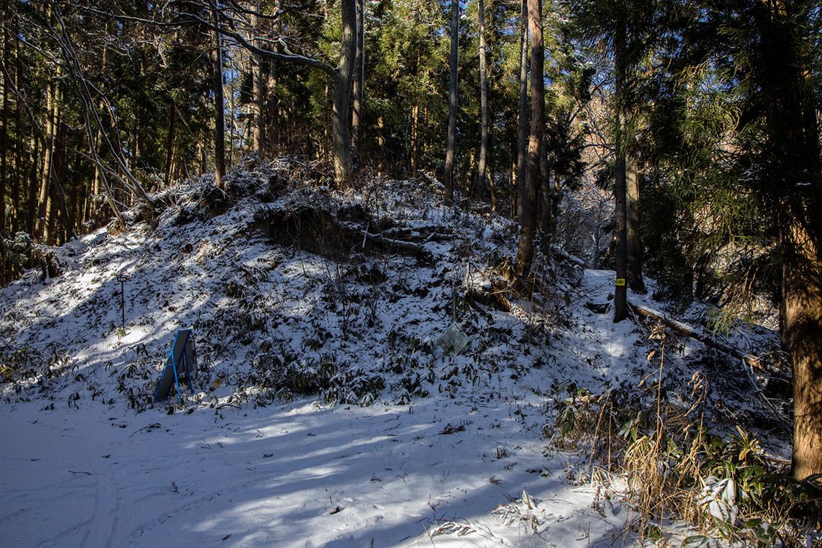 反対側には大洞山の登山口