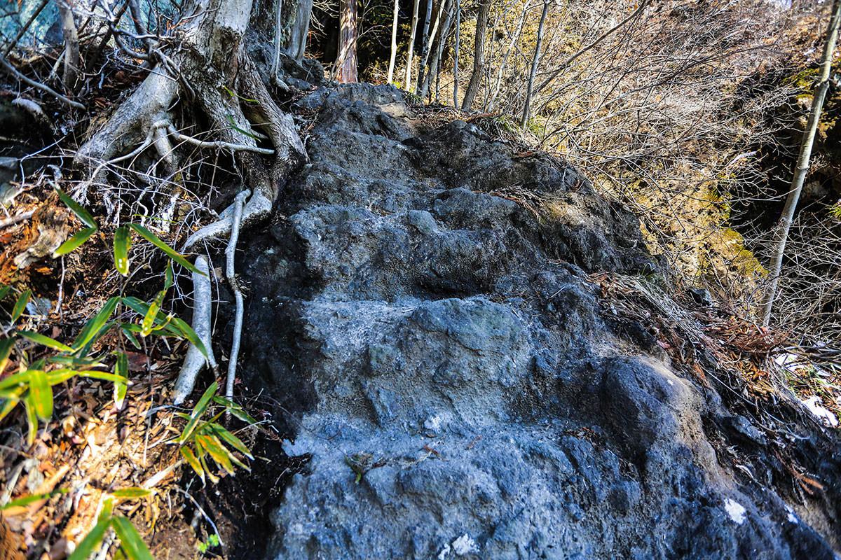【妙義山】登山百景-石が階段状に