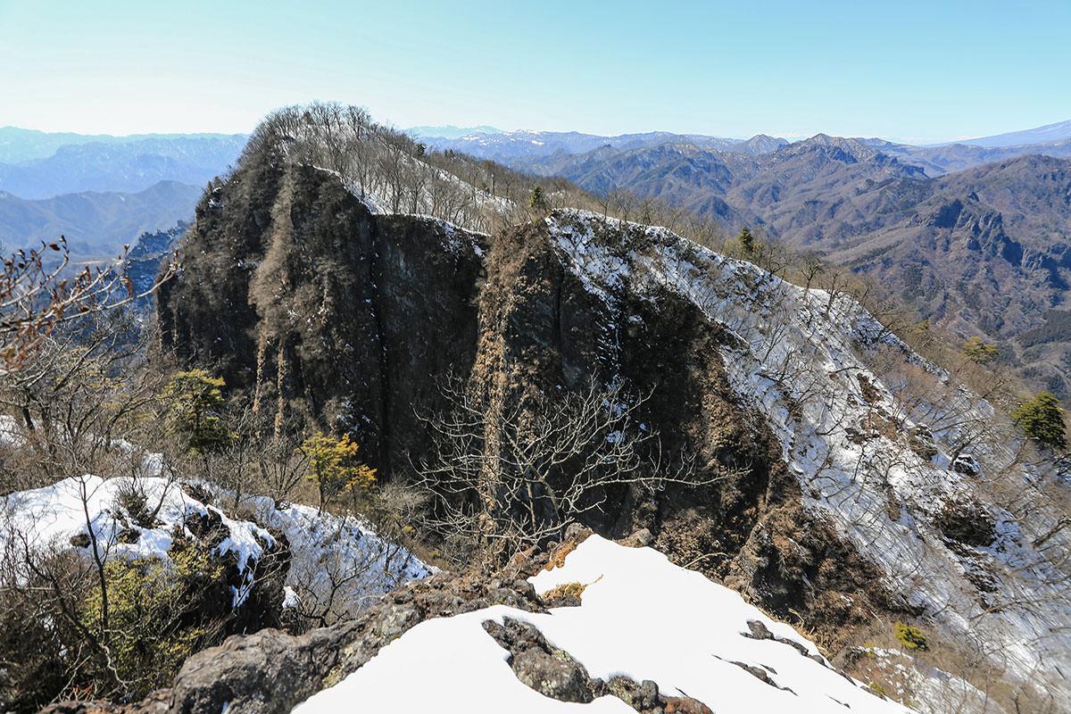 【妙義山】登山百景-相馬岳は向こう