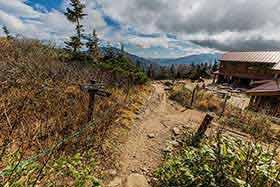 西穂山荘から右へ