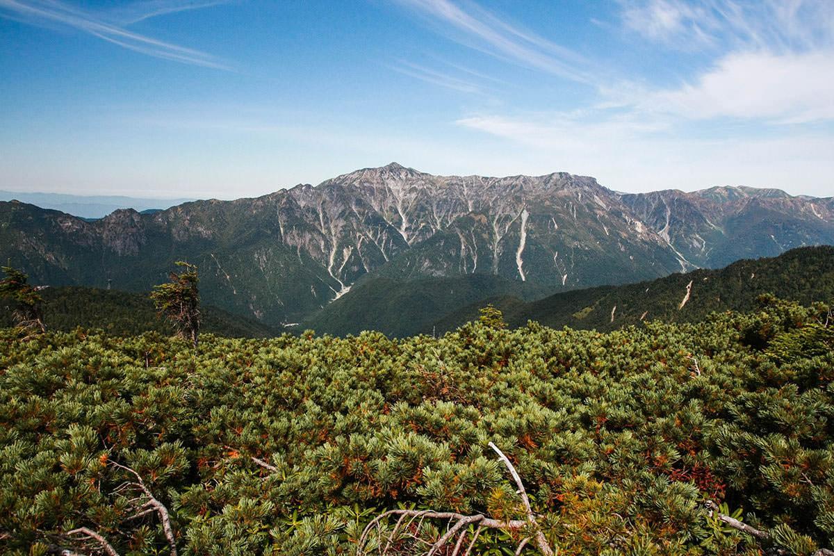 【西穂高岳】登山百景-笠ヶ岳もよく見える