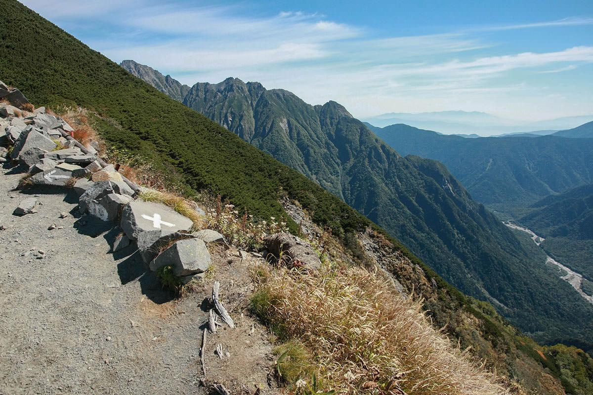 【西穂高岳】登山百景-前穂高岳が見えてきた