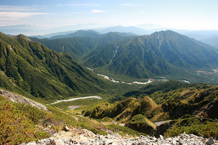 西穂高岳から見下ろす上高地