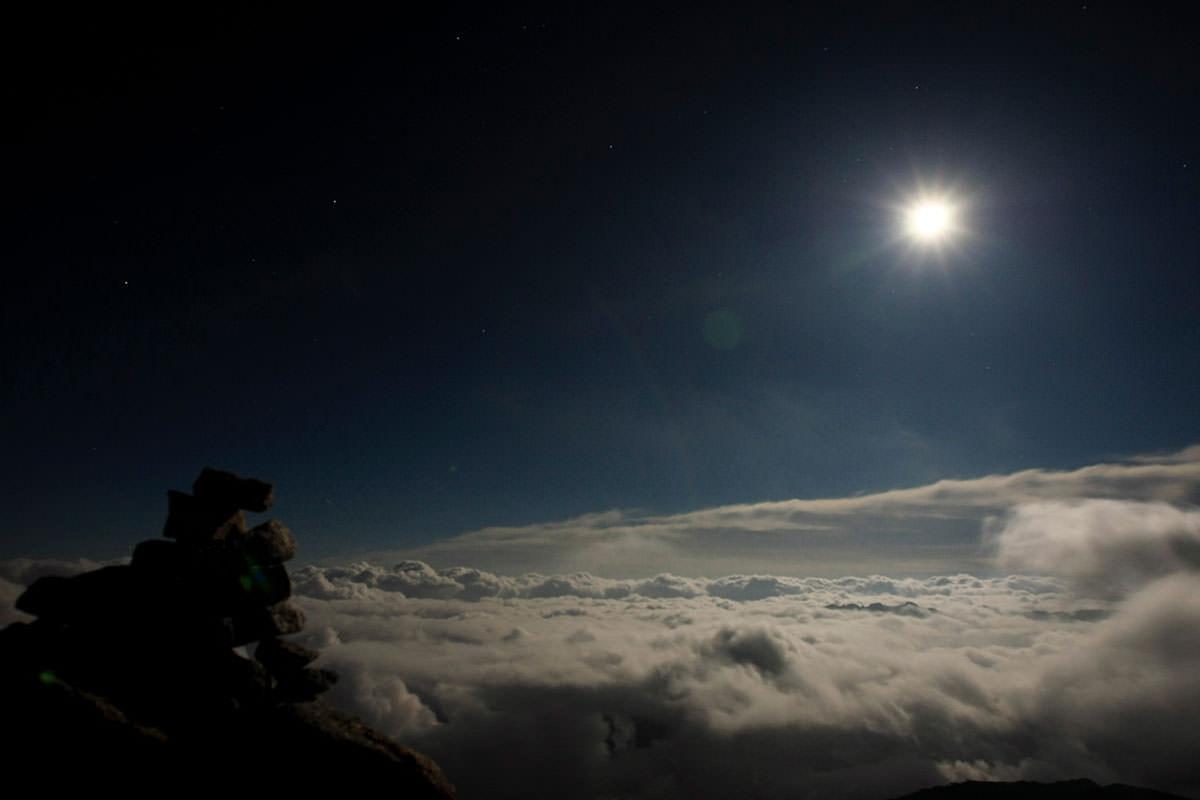 小屋から夜空